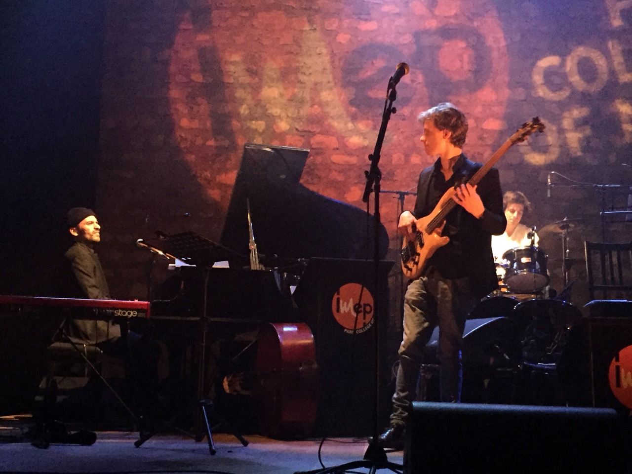 Promotion 2015 : M Sacha Leroy, basse, Yassin Kramdi, piano, Cort vermée, batterie