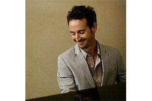 Antoine Lefort, ancien élève à l'IMEP, pianiste et compositeur Promotion 2012