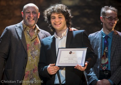 Alexandre Jouvie avec Jeff Ballard, reçoit son diplôme de l'IMEP