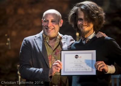 Boris Rappo avec Jeff Ballard, reçoit son diplôme de l'IMEP