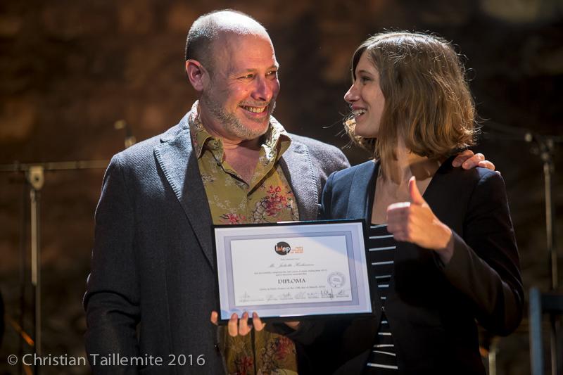 Juliette Heilmann avec Jeff Ballard, reçoit son diplôme de l'IMEP