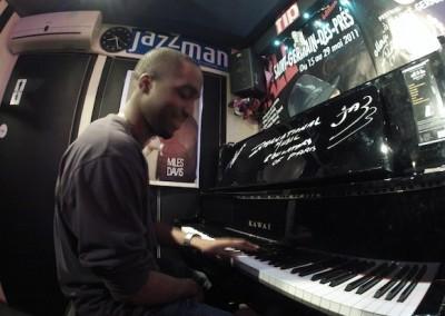 piano-anciens-élèves-IMEP-paris-college-of-music-café-universel